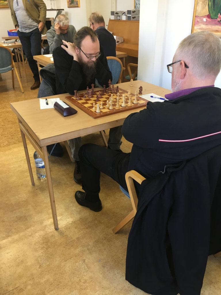 Kristian Aaltonen med svart  mot Jan Krüger